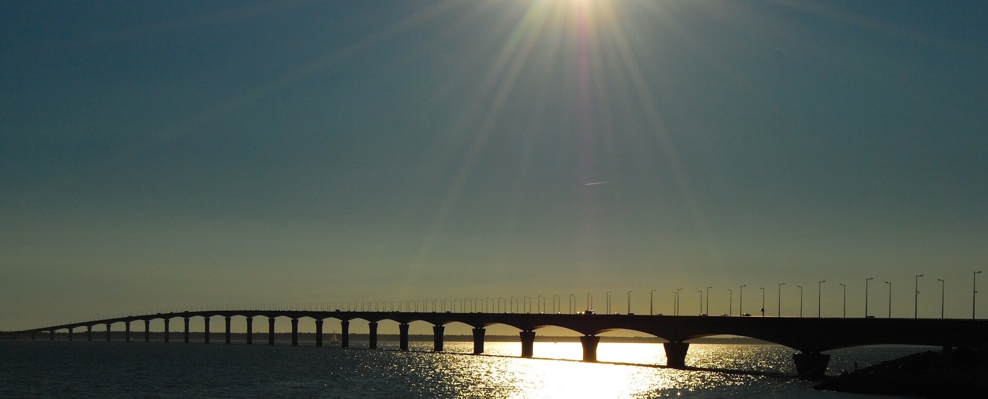 A bridge that connects you to the world - Île de Ré